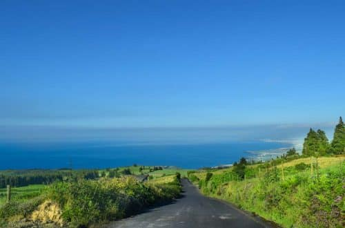 Renting a car in the Azores path